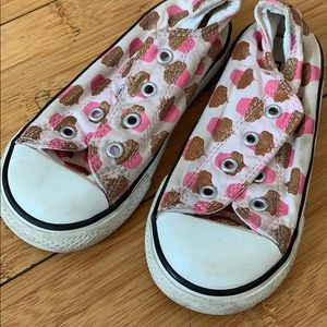 Converse cup cake shoes